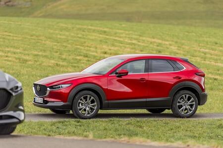Probamos el Mazda CX-30 e-skyactiv x: consumos y tecnología de diésel en un gasolina con 186 CV muy discretos