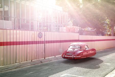"""Los años 60 con coches flotantes: así de bonita es la realidad """"retro-futurista"""" que imaginan estos artistas"""