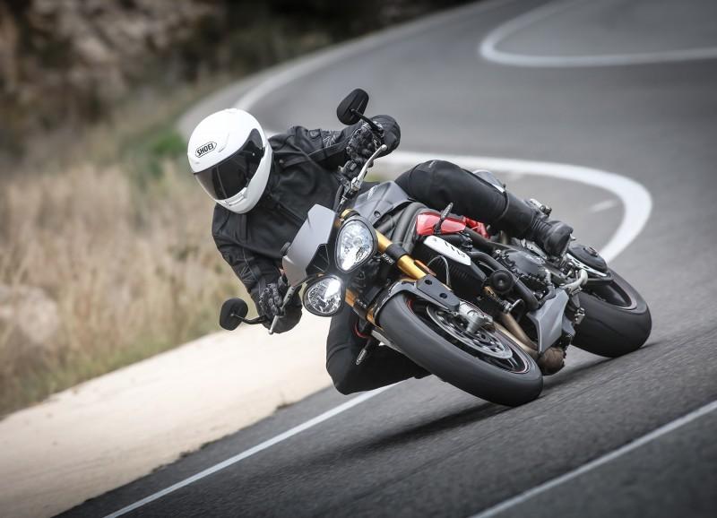 Foto de Triumph Speed Triple 2016 (33/33)