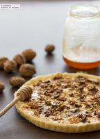 Tarta con queso, nueces y miel. Receta