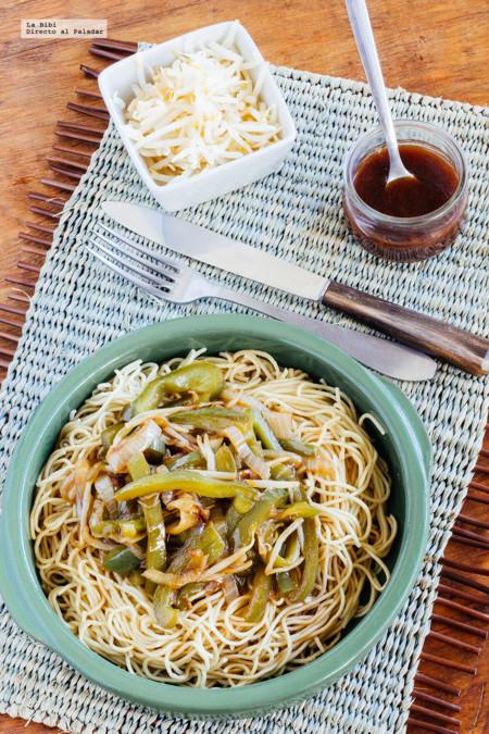 Noodles con verduras en salsa agridulce. Receta vegetariana