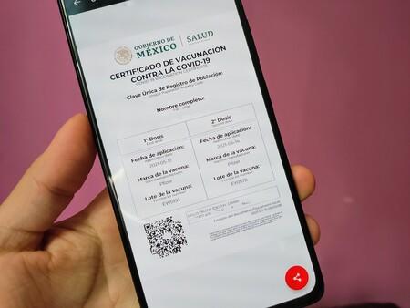 Certificados falsos de vacunación contra COVID-19 se pueden comprar en el centro de CDMX por 500 pesos, según reporte