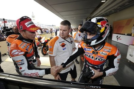 MotoGP Portugal 2011: ¡puños fuera!