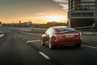 Elon Musk tuitea sobre un próximo aumento de la autonomía del Tesla Model S