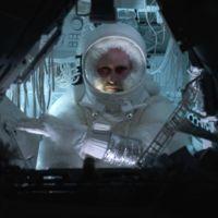 ¿Qué pasa cuando un hombre del espacio se encuentra con un hombre de las cavernas?