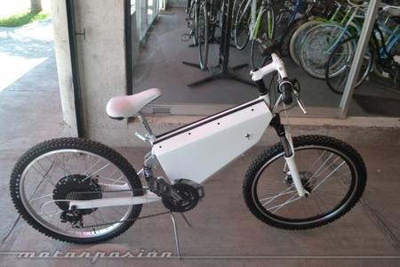 http://www.motorpasion.com.mx/motos/hybridus-la-nueva-bici-moto-electrica-hecha-completamente-en-mexico