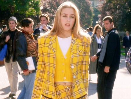 Que veinte años no es nada... Así de estupenda está Alicia Silverstone de nuevo con su mítico traje amarillo de 'Clueless'