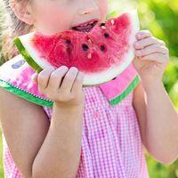 Cómo enseñarles a tus hijos sobre el cuidado del peso sin acomplejarlos