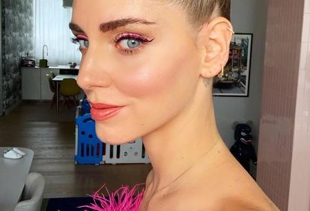 Así es el eyeliner fucsia que va a invadir tu Instagram dentro de muy poco