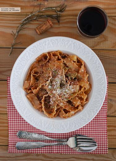 Mafaldine al vino tinto: receta facilísima de pasta en una sola olla
