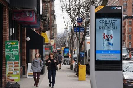 """Alguien está """"hackeando"""" las estaciones de internet en Nueva York para poner la música del camión de los helados"""