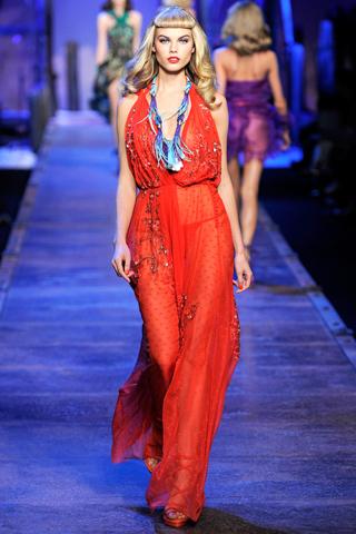Foto de Tendencias Primavera 2011: el dominio del rojo en la ropa (17/28)