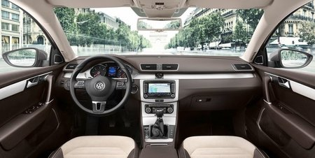 Volkswagen Passat 2011 interior