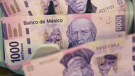 Un bug hizo que varios cajeros en México escupieran hasta 75 mil pesos en billetes de 500