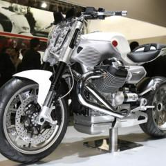 prototipos-moto-guzzi-en-el-salon-eicma-2009