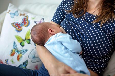 Beber leche de vaca durante la lactancia podría reducir el riesgo de que el bebé tenga alergias alimentarias