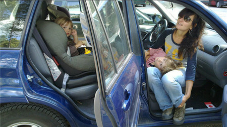 ¿Se marean tus hijos durante los viajes?, quizás estos consejos te ayuden