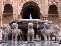 Guías voluntarios de la Tercera Edad en la Alhambra