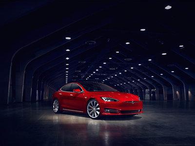 El Tesla Model S 100D alardea de 600 km de autonomía a pesar de un 0 a 100 km/h en 4,4 segundos