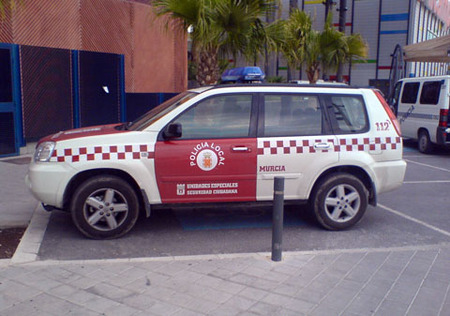 Nissan X-Trail policial