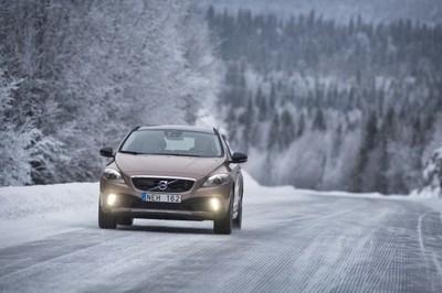 Volvo añade un nuevo motor a la gama V40 y aumenta la oferta de motores con tracción total