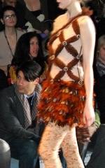 Foto 38 de 40 de la galería trendencias-en-el-desfile-de-custo en Trendencias