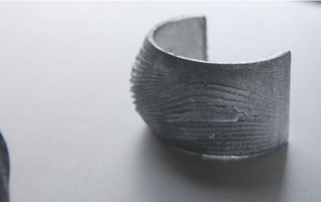 Esta pulsera wearable mantiene la temperatura de tu cuerpo bajo control