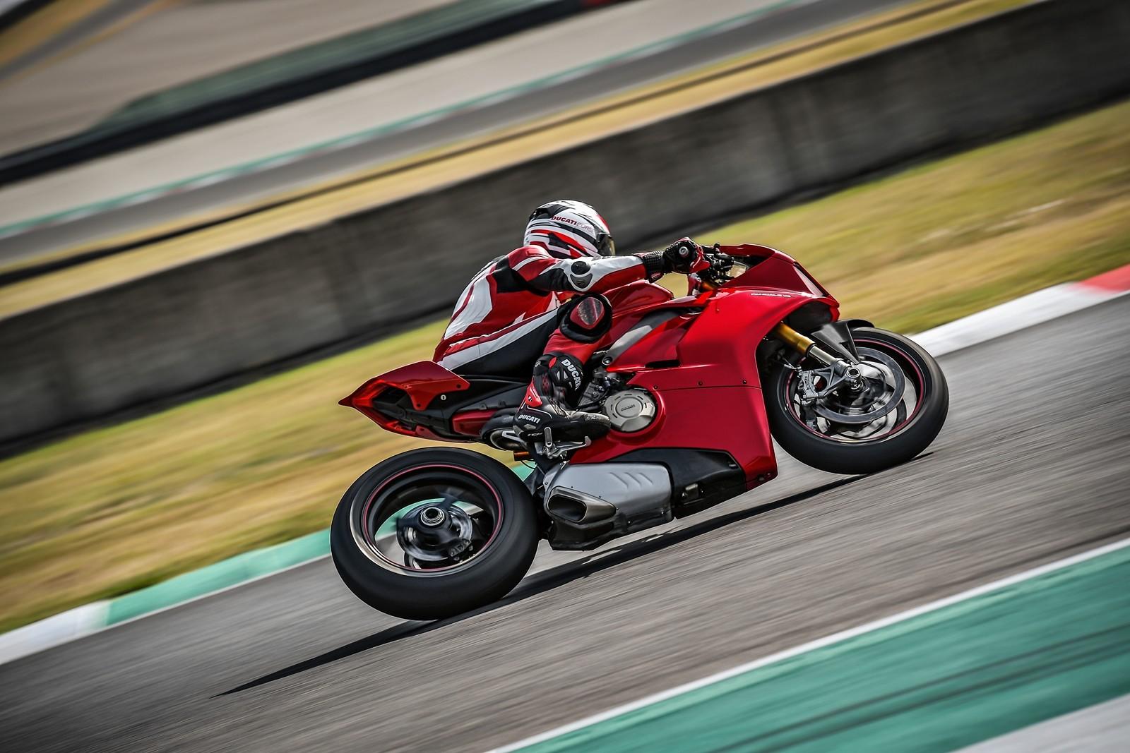 Foto de Ducati Panigale V4 2018 (30/52)
