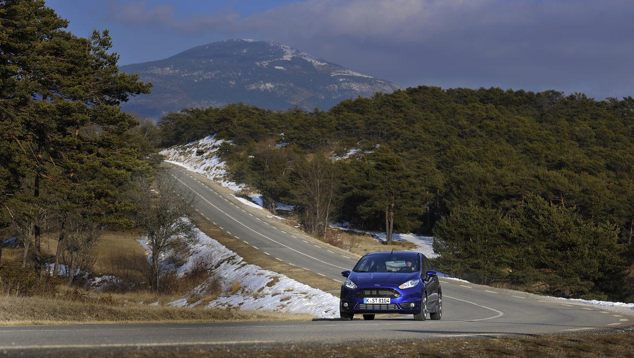 Foto de Ford Fiesta ST 2013 en Francia (25/50)