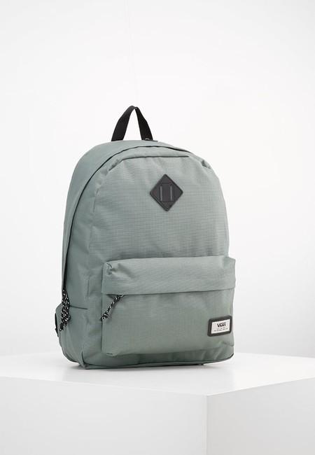 60% de descuento en la mochila unisex Vans Old Skool Plus Backpack en gris: se queda en 21,95 euros con Zalando