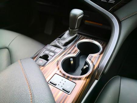 Toyotacamryinterior2