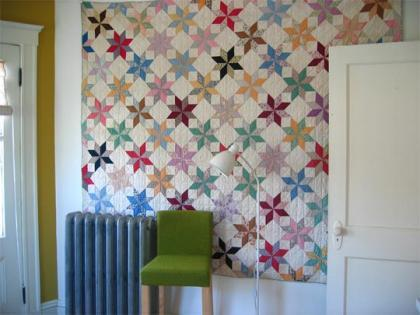 Una buena idea: Una colcha para decorar tu pared