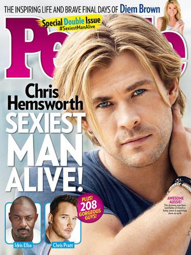 Y el mas sexy para People es... ¡Chris Hemsworth! A sus pies caballero...