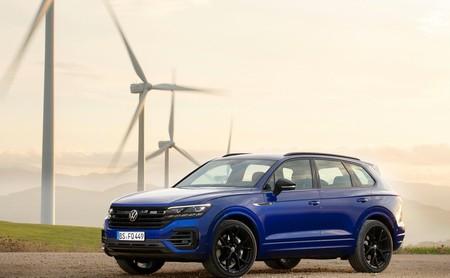 Volkswagen Touareg R: la variante deportiva del SUV de lujo que obtiene poder extra de la electricidad