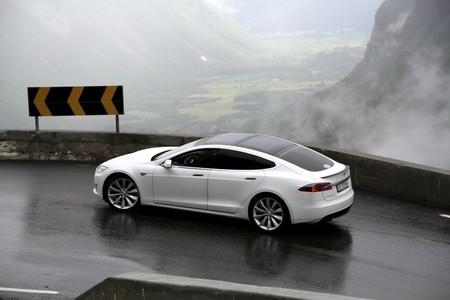 Tesla Model S Rally Noruega