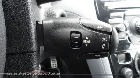 Peugeot RCZ 2013 2.0 HDi, satélite de control multimedia