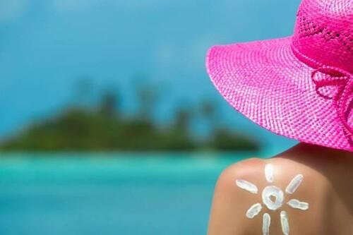 Qué es la alergia al sol: síntomas, causas, prevención y cómo podemos protegernos en verano