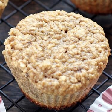 Muffins de plátano y avena. Receta fácil y saludable para el desayuno