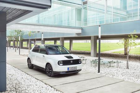 Honda e: el primer coche eléctrico de Honda no convence en Europa. ¿Qué ha pasado?