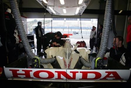 Super Aguri podría estar condenada si Honda no hace algo