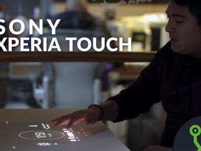 Xperia Touch: mostramos en video el proyector de Sony que convierte cualquier superficie en un panel táctil