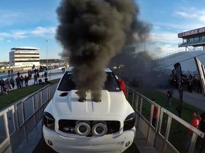 Tres turbos, 2.000 CV y... ¡boom! No habías visto un motor volar literalmente por los aires, hasta ahora