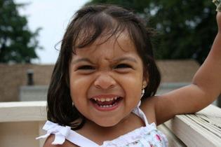 Siempre corriendo, saltando, explorando: cómo evitar accidentes bucales en los niños