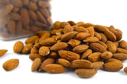 Almendras, el fruto seco estrella del otoño: propiedades, beneficios y su uso en la cocina