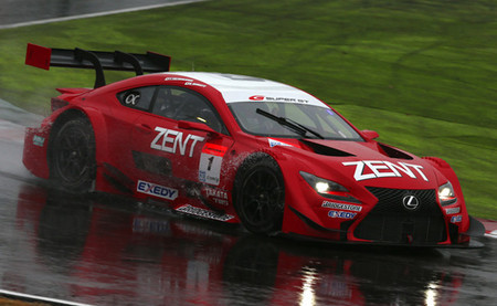 Lexus manda en el primer día de las pruebas grupales del Super GT en Suzuka