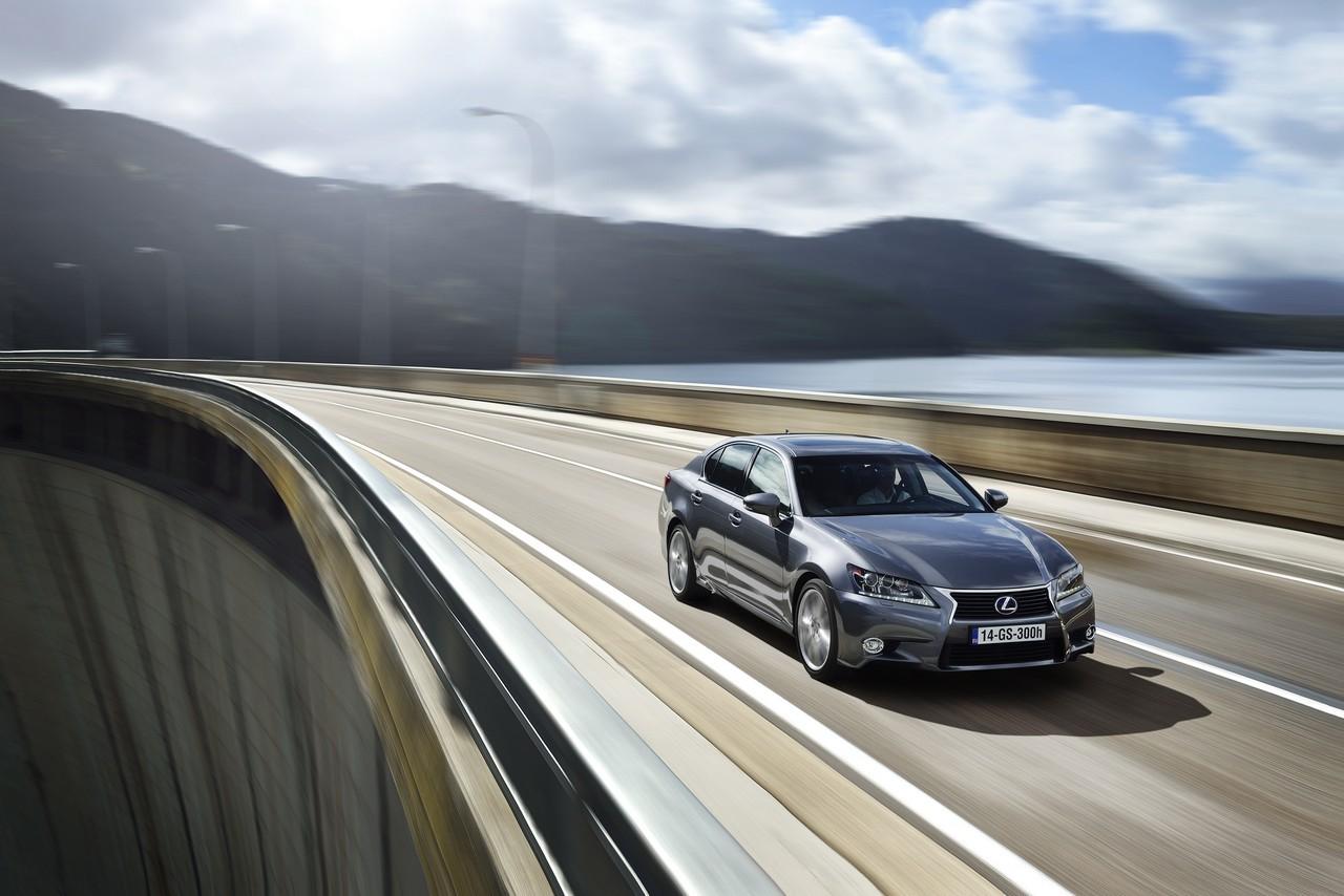Foto de Lexus GS 300h (133/153)