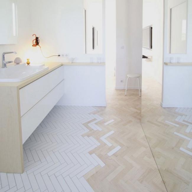Creativos suelos que combinan la madera con la baldosa - Suelo laminado para banos ...