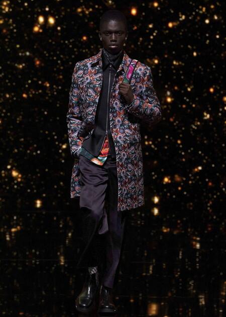 Para Un Segundo Look Nick Jonas Se Viste De La Psicodelia De Dior Para Los Premios Billboard 2