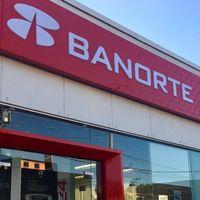 """Banorte reporta fallas en México: problemas en su app, """"cuentas en ceros"""" y sin soporte telefónico, esto es lo que sabemos"""