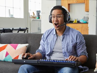 Los mejores (y también extraños) gadgets para gamers del CES 2018